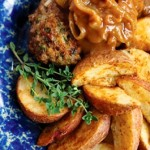 Sirloin steak with caramelized onion gravy from LaughingLemonPie.com